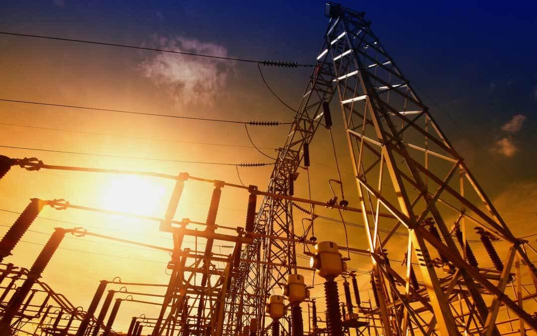 Corriente directa vs corriente alterna: Usos y aplicaciones
